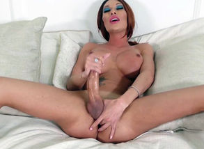 Mia Isabella Jacks Her Fat Hard-on In..