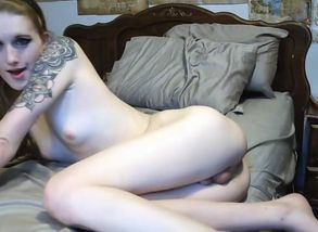 Uber-sexy homemade tranny sequence..