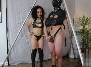 Female dominance An Li taunting and..
