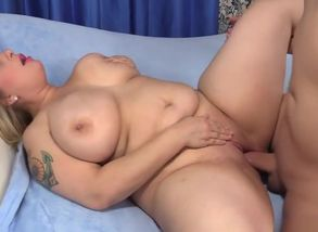Meaty Breasted Plumper Sinful Samia..