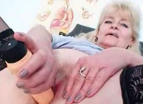 blond mature showcases off innate fun..