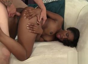 Smokin Dark-hued Chanell Heart Gets..