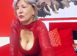 Huge-titted  Linda 50 years Web cam Solo