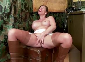 Giant baps superstar nylon and cum-shot
