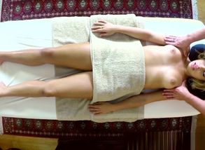 Rubdown honey drilled by the masseuse