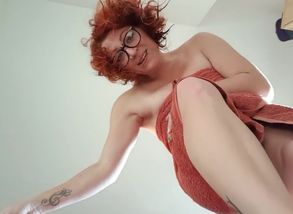 Giantess Fairy Nixx Catches a Teeny..