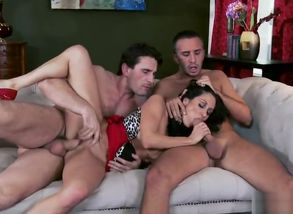 Finest porno  Gang-bang attempt to..