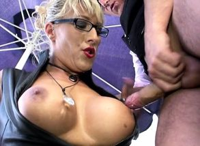 Blond inexperienced dame deep throat..