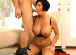 Assassin milf doing what she does..