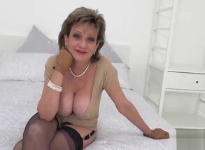 Unfaithful english cougar female sonia..