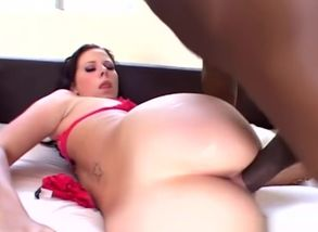 Gianna Michaels in yam-sized breast..